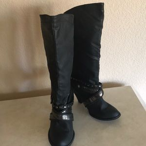 Strappy Blinged Buckle Boots Size 11 NWT♥️